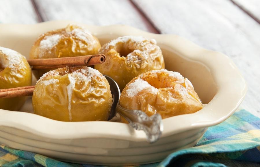 Топ-7 простих десертів із яблук