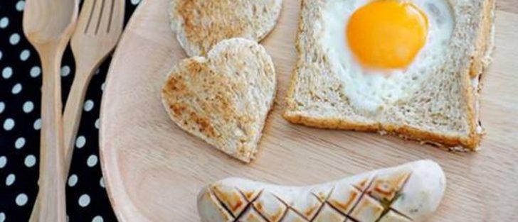 Апетитна сухом'ятка: 8 рецептів смачних гарячих бутербродів
