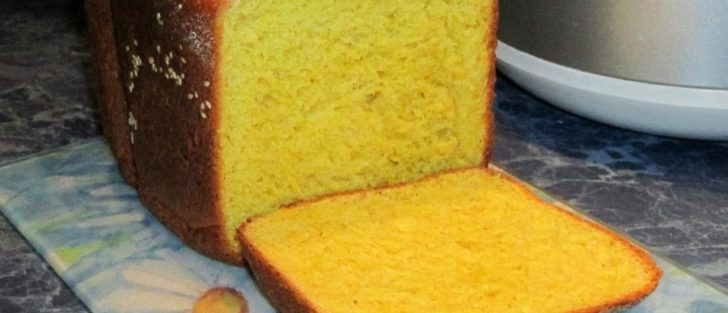 Кукурудзяний хліб у хлібопічці