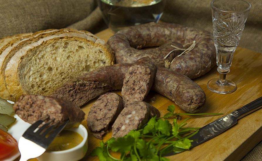 Ліверна ковбаса в домашніх умовах