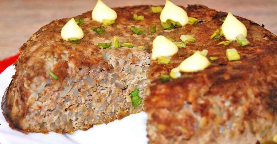 Печінковий пиріг з рисом і сиром