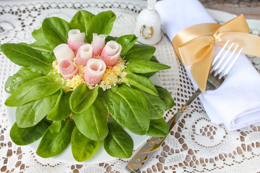 Салат із консервованого тунця «Квітка»