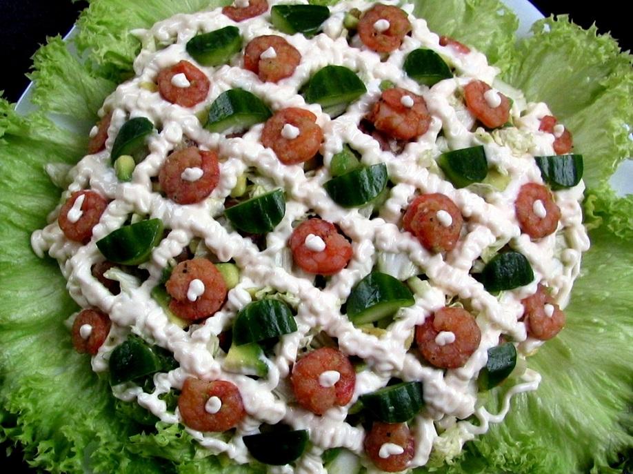 Салат з пекінської капусти з копченою скумбрією