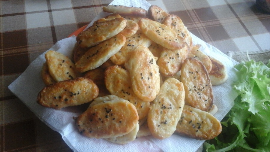 Солоне печиво з твердим та кисломолочним сиром