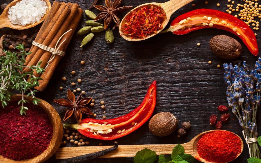 ТОП-10 найкорисніших прянощів для вашої кухні