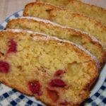 Вишневий пиріг у хлібопічці