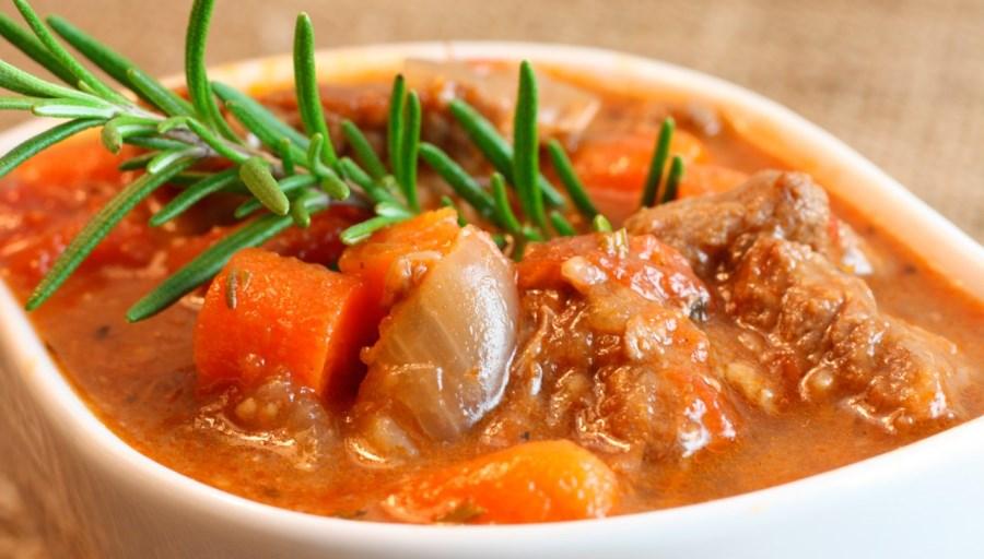 Яловичина у томатному соусі