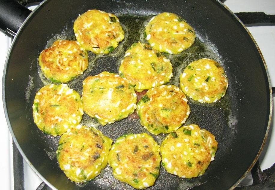 Яєчні котлети із зеленню
