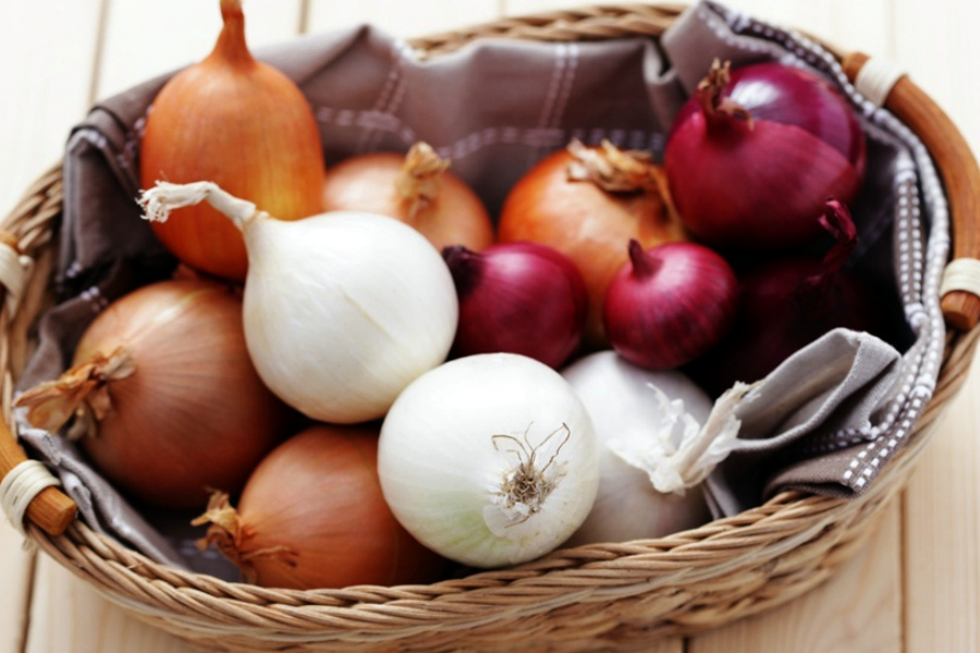 Здоров'я крізь сльози: 13 причин полюбити цибулю
