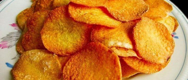 Картопляні чіпси у мікрохвильовці