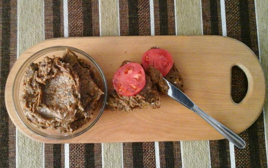 Баклажанна ікра-гриль з грибами