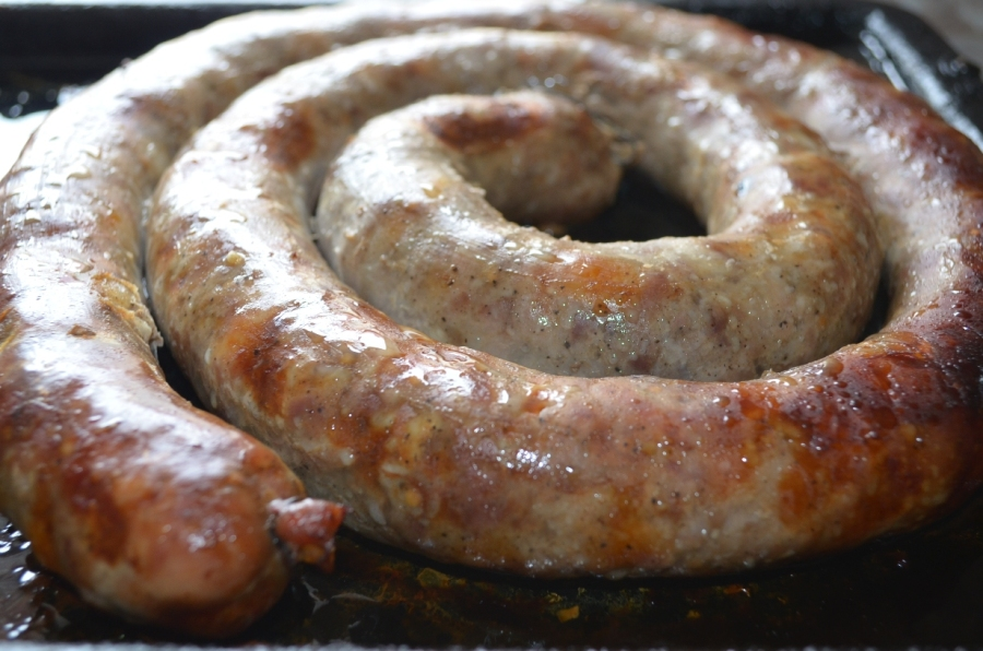 Секрети приготування копченої домашньої ковбаси | Рецепт у духовці