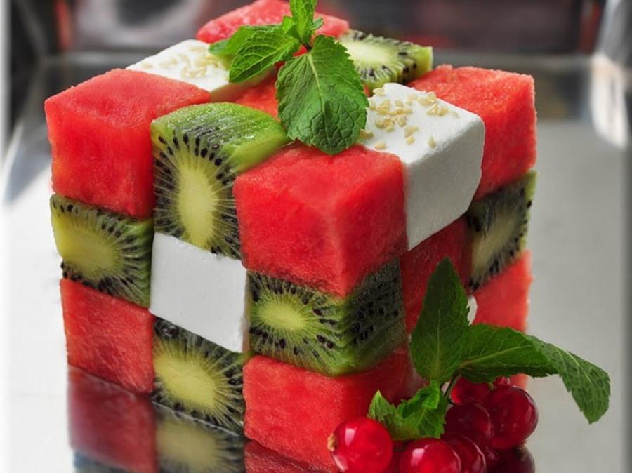 Фруктовий салат «Кубик Рубика»