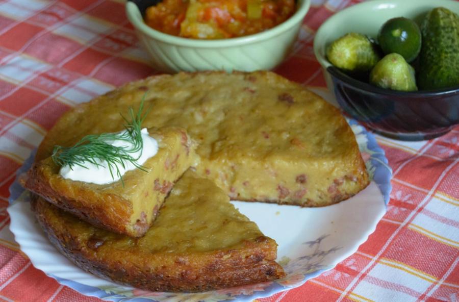 Картопляна бабка з м'ясним фаршем у мультиварці