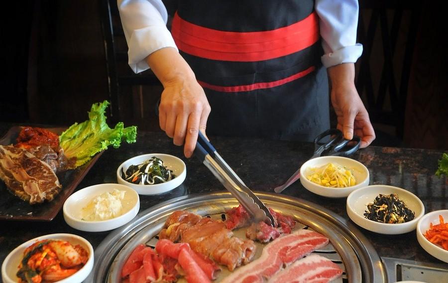 «Морква по-корейськи» та 5 інших закусок корейської кухні, які варто приготувати
