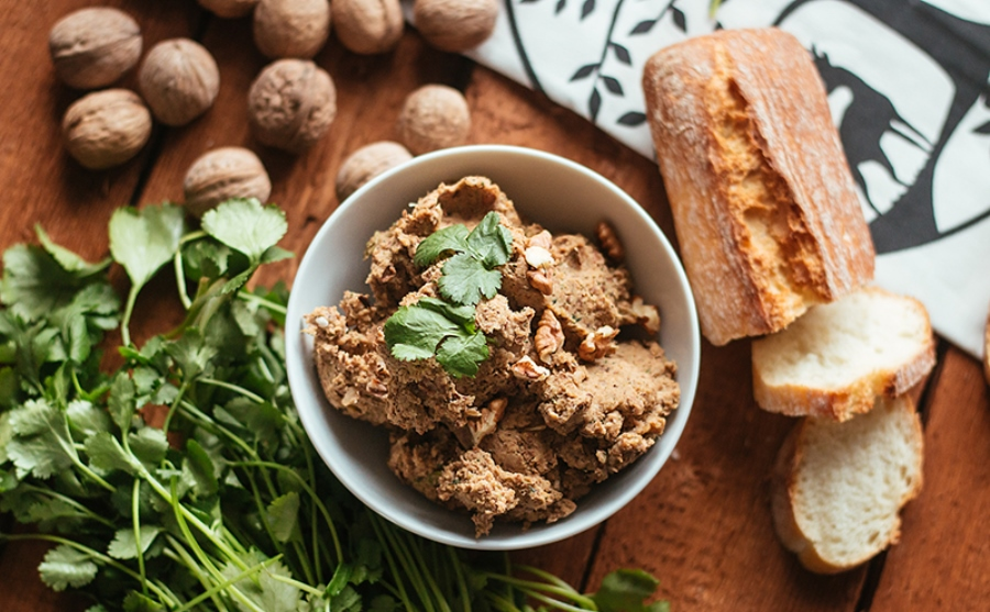 Квасолевий паштет з горіхами по-грузинськи