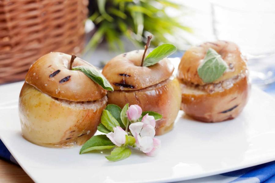 Солодкий мінімум: 7 низькокалорійних рецептів печених яблук