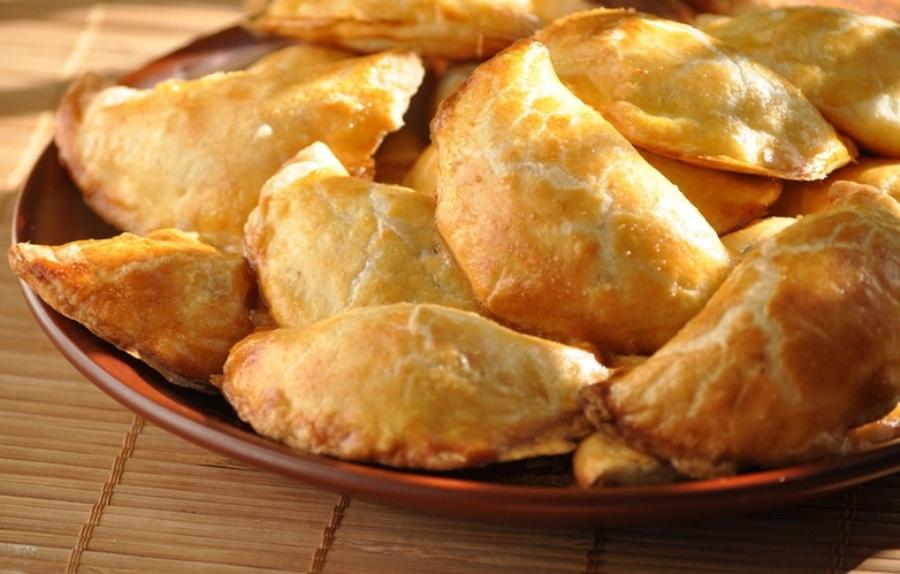Пиріжки з начинкою із плавленого сиру