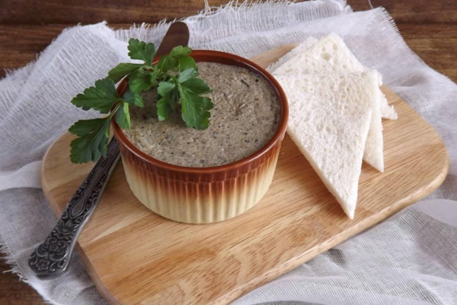 Пісний паштет із сушених грибів