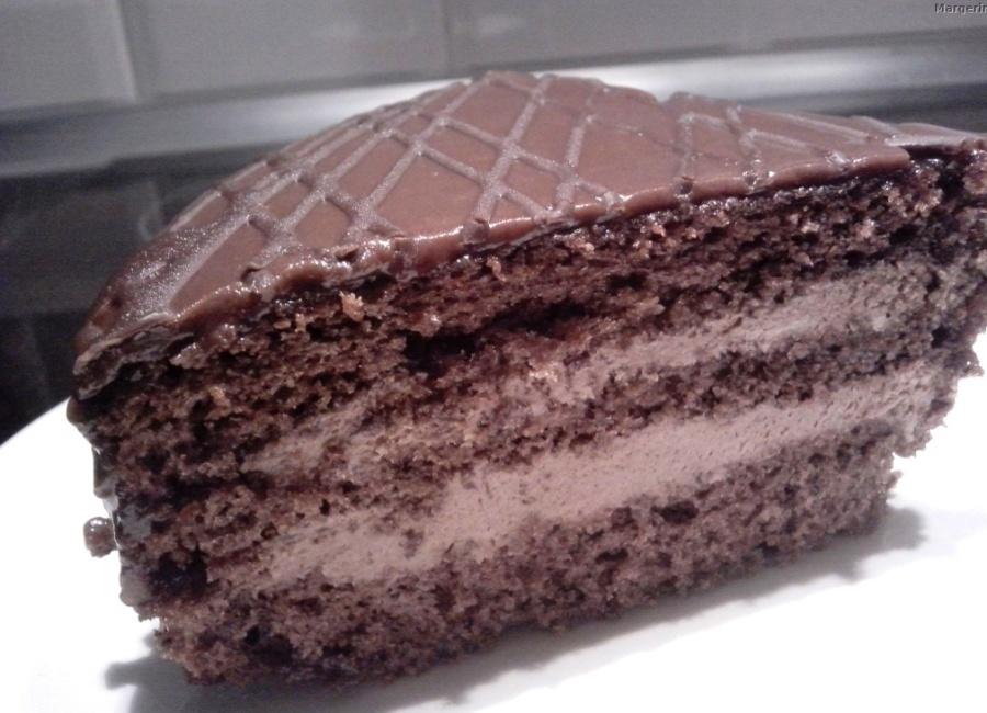 Торт «Празький» зі згущеним молоком