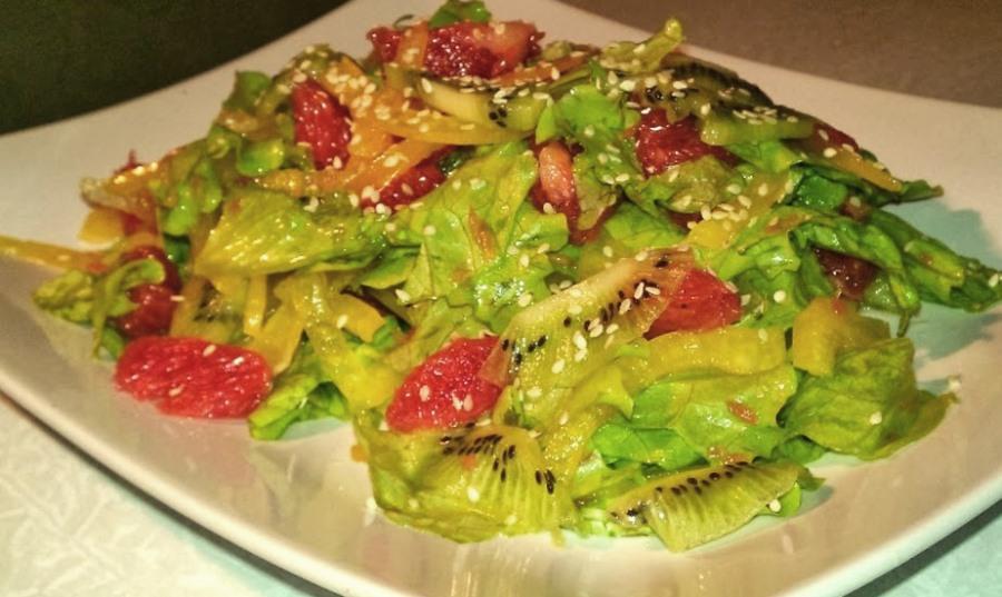 Салат із червоної риби з ківі