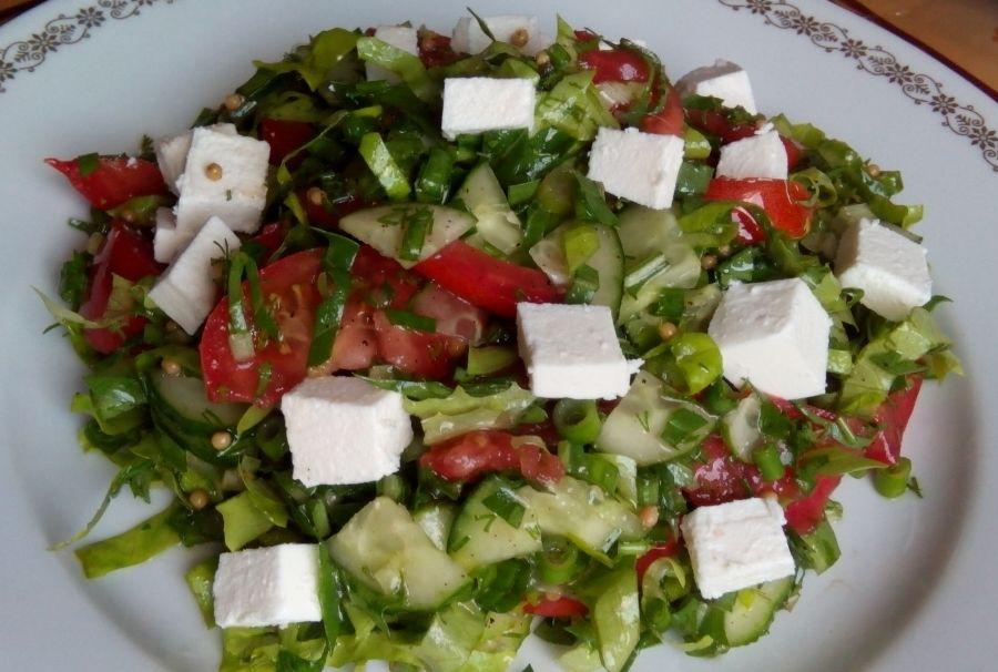 Салат з овочів і сиру «Літній»