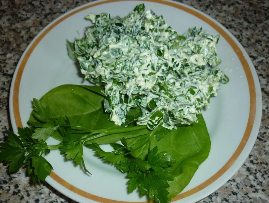 Салат з сиром і зеленню «Вітамінний»