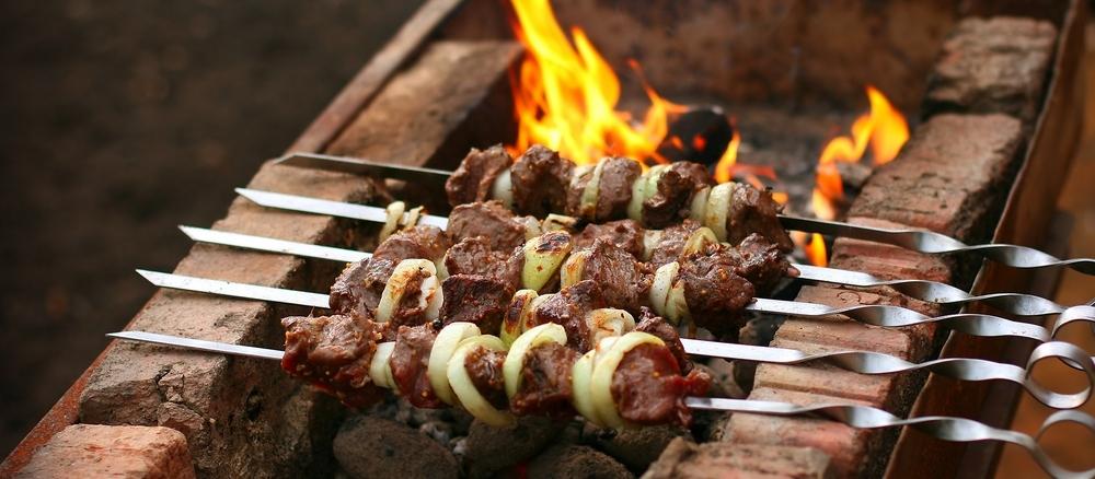 Як замаринувати м'ясо на шашлик? 15 перевірених варіантів