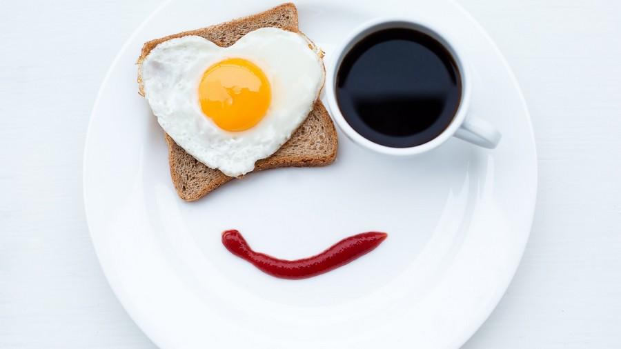 Сніданок з'їж сам. Як привчити себе харчуватися вранці?