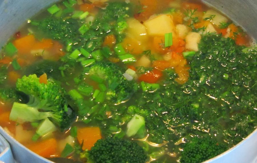 Дієтичний суп із броколі