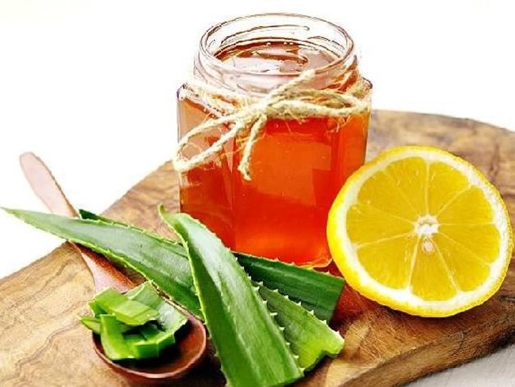 Мед з алое та горіхами