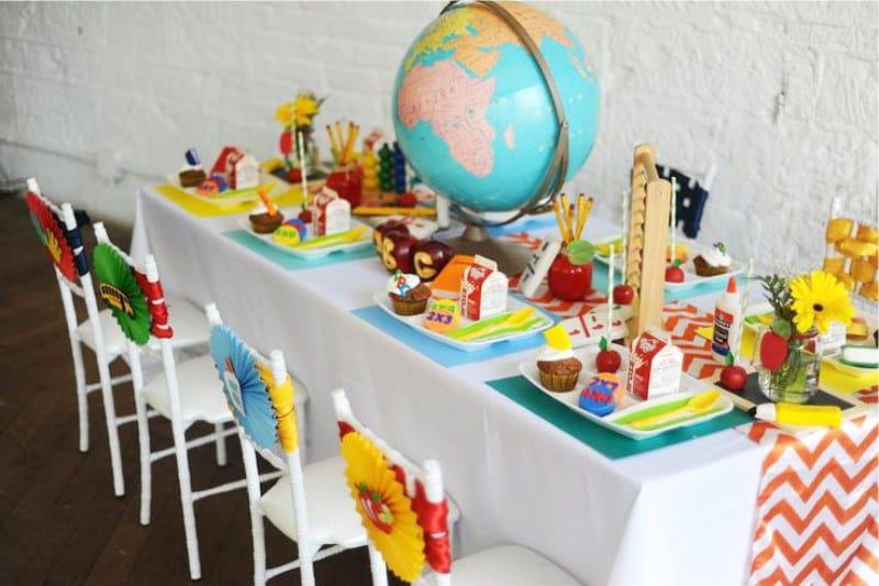 Дитячий святковий стіл на 1 вересня