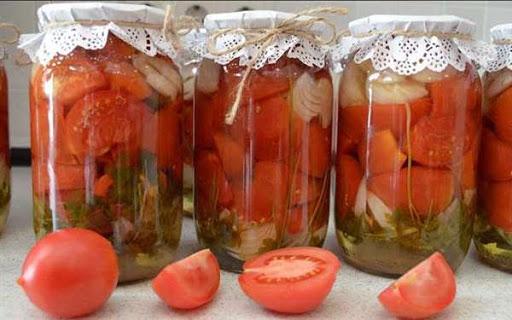 Мариновані помідори в олії