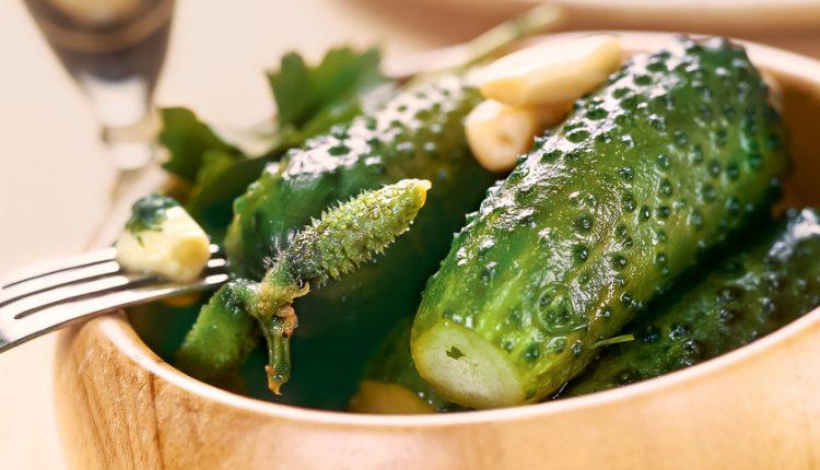 Який посуд обрати для огірків
