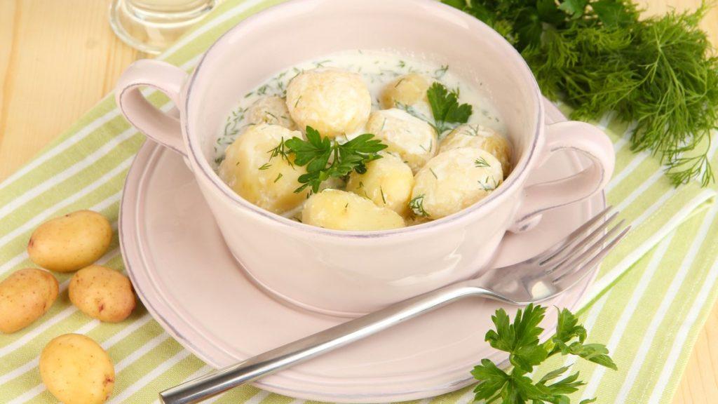 Рецепт картоплі в сметані