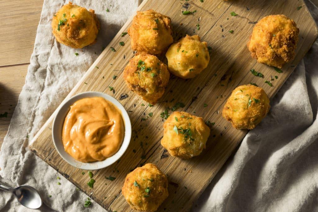 Кульки з вареної картоплі і фаршу