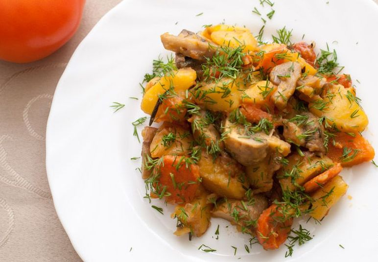Пісне рагу з картоплі та грибів