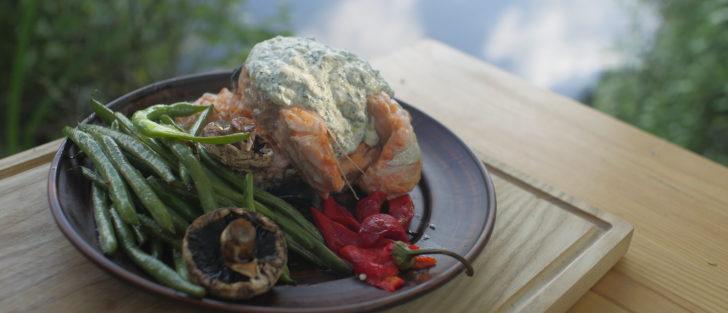 Лосось у вершковому соусі | Рецепт на сковороді в лісі