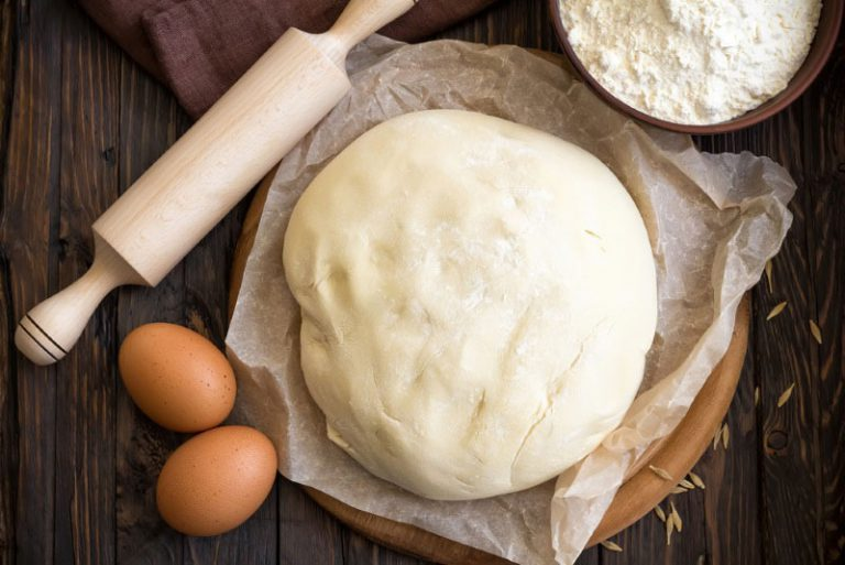 Як замісити тісто на пельмені