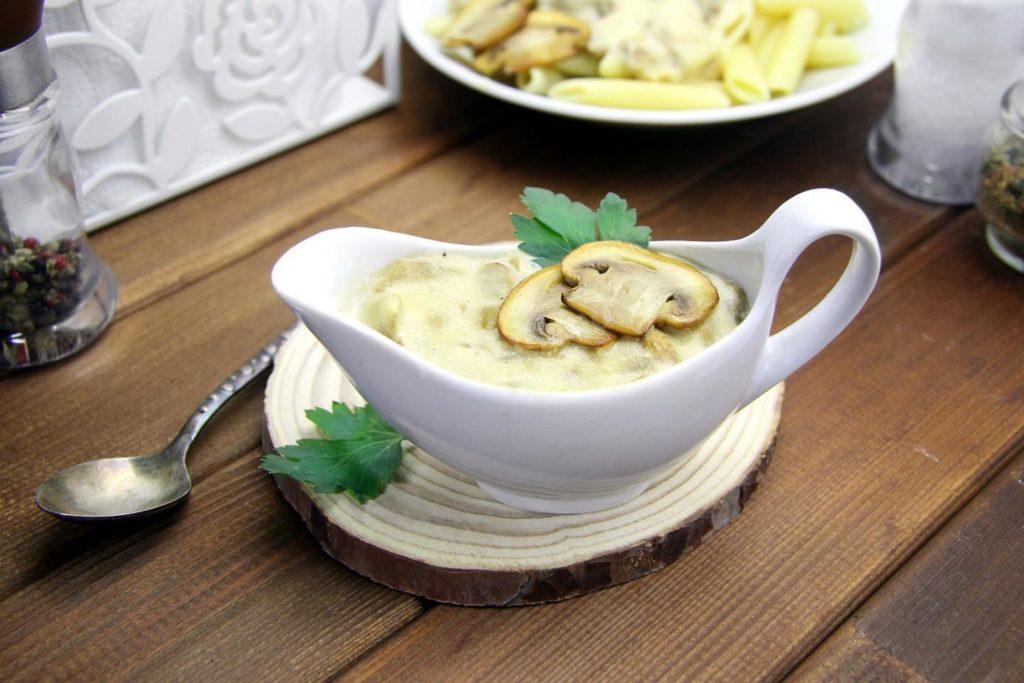 Грибна підлива з сушених білих грибів