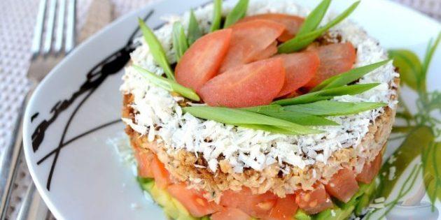 Салат шарами з авокадо та червоної риби