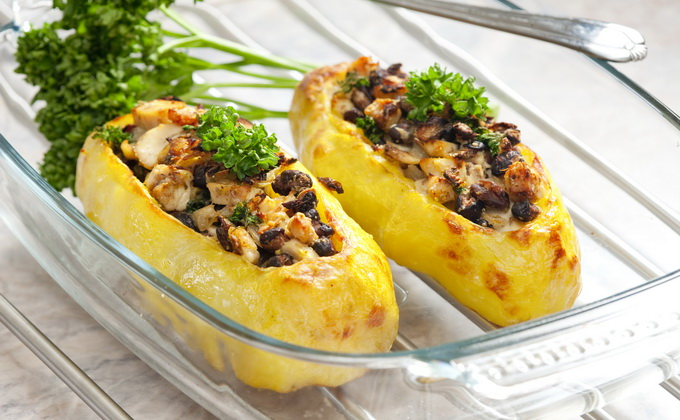 Бюджетна фарширована картопля з грибами