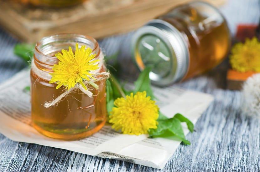 Чим  корисний мед з кульбаби