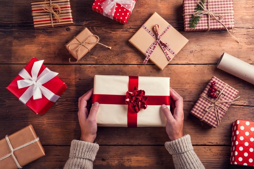 Що не варто дарувати дитині на Новий рік
