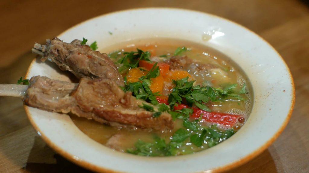 Як варити гороховий суп з м'ясом і ребрами