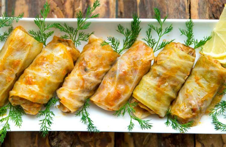 Пісні голубці з тертої картоплі і гречки в духовці
