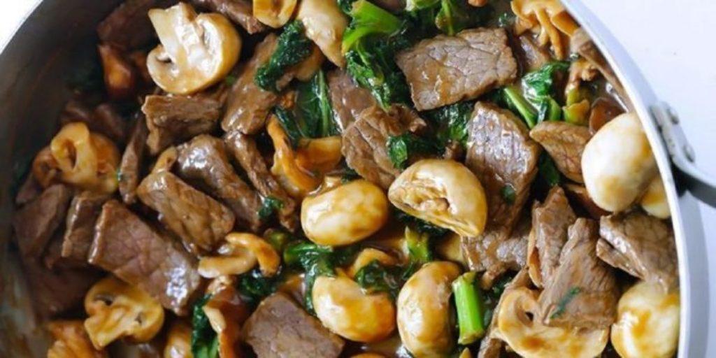М'ясний салат з грибами без майонезу