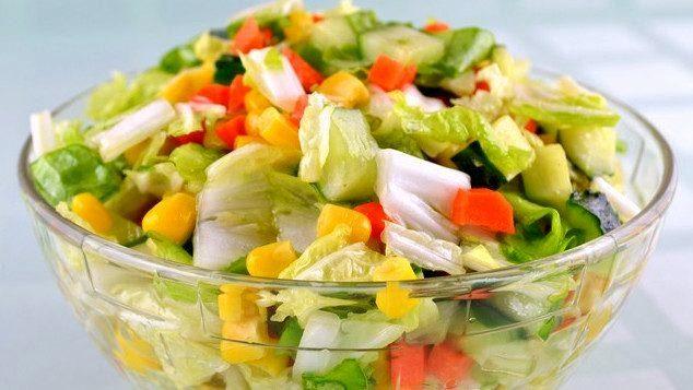 Салат з пекінської капусти з кукурудзою