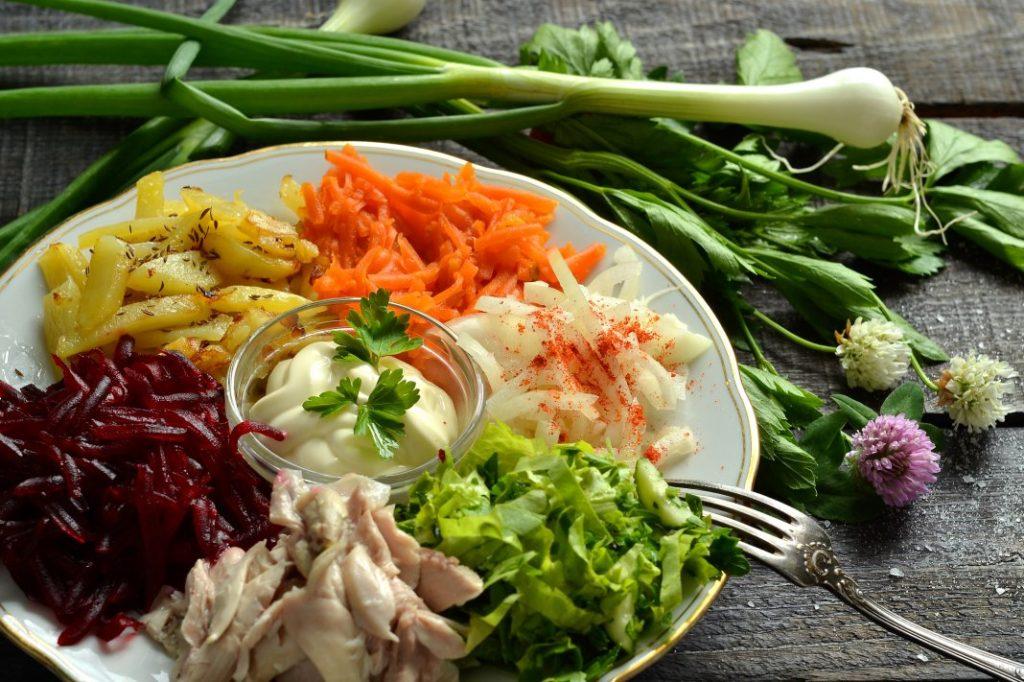 Святкові салати купками   Бейжа   Рецепт з чіпсами