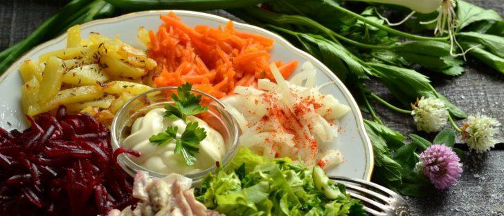 Святкові салати купками | Бейжа | Рецепт з чіпсами